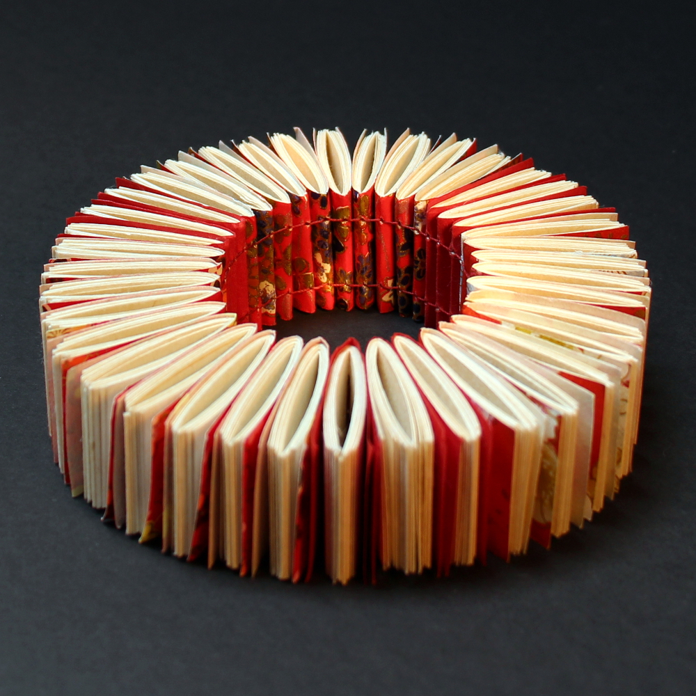 Florence Jaquet // Literary jewelry // organiques.ch